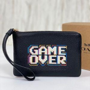 🥰Coach Corner ZIP Wristlet Wallet Game Over